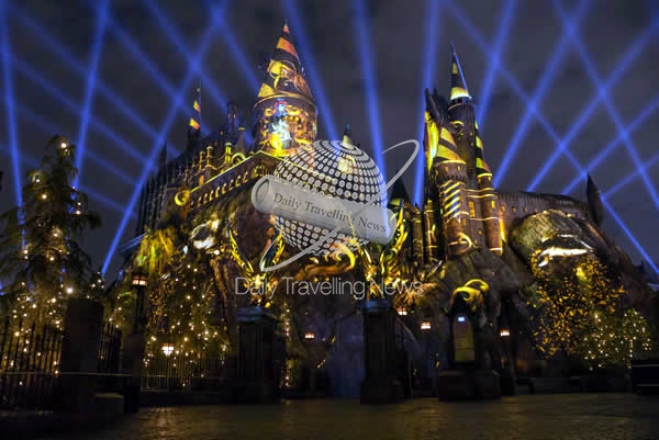 "Comenzó oficialmente ""The Nighttime Lights at Hogwarts Castle"""