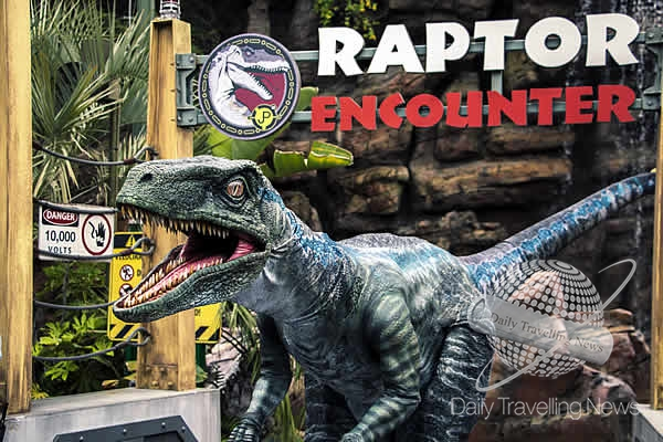 """Raptor Encounter"" debuts at Universal Studios Hollywood and Universal Orlando Resort"